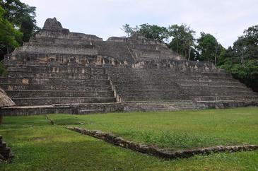 Piramide Caana de origen maya, Caracol (Belize). Imagen: Douglas Kennett.