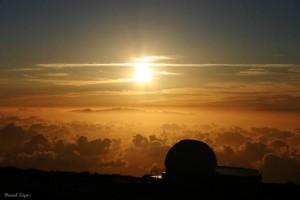 Atardecer desde un observatorio de Canarias. (Foto: Daniel López)